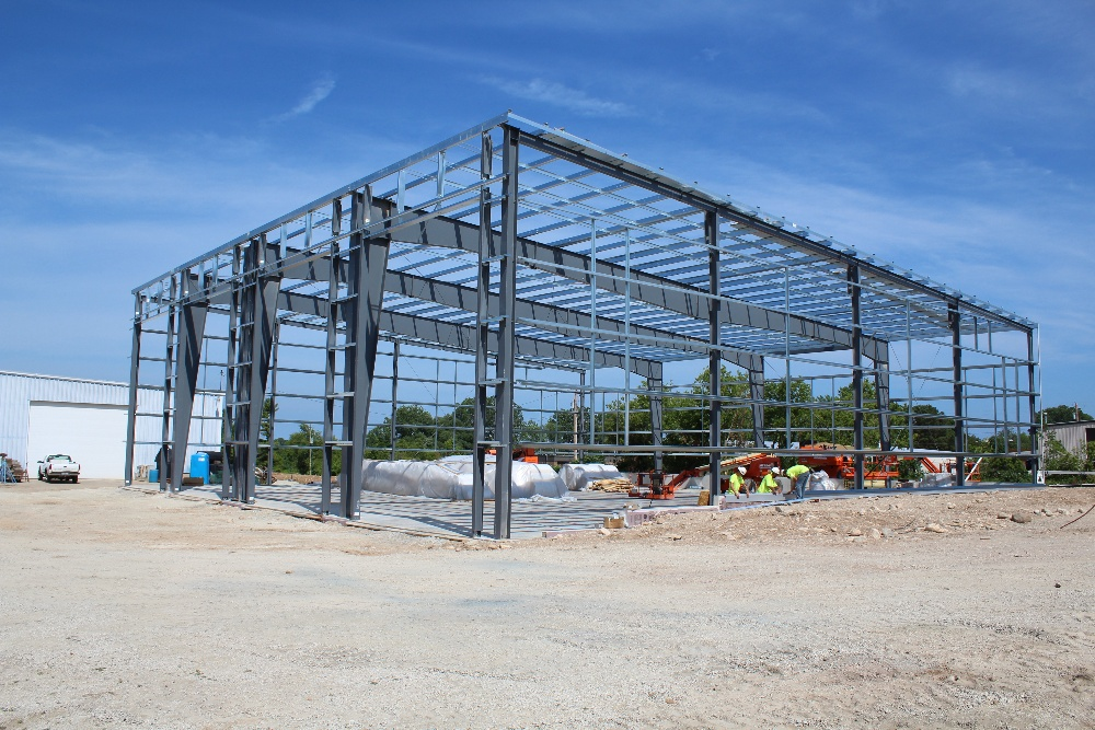 Pre-engineered-metal-buuilding-structure-custom-industrial-construction